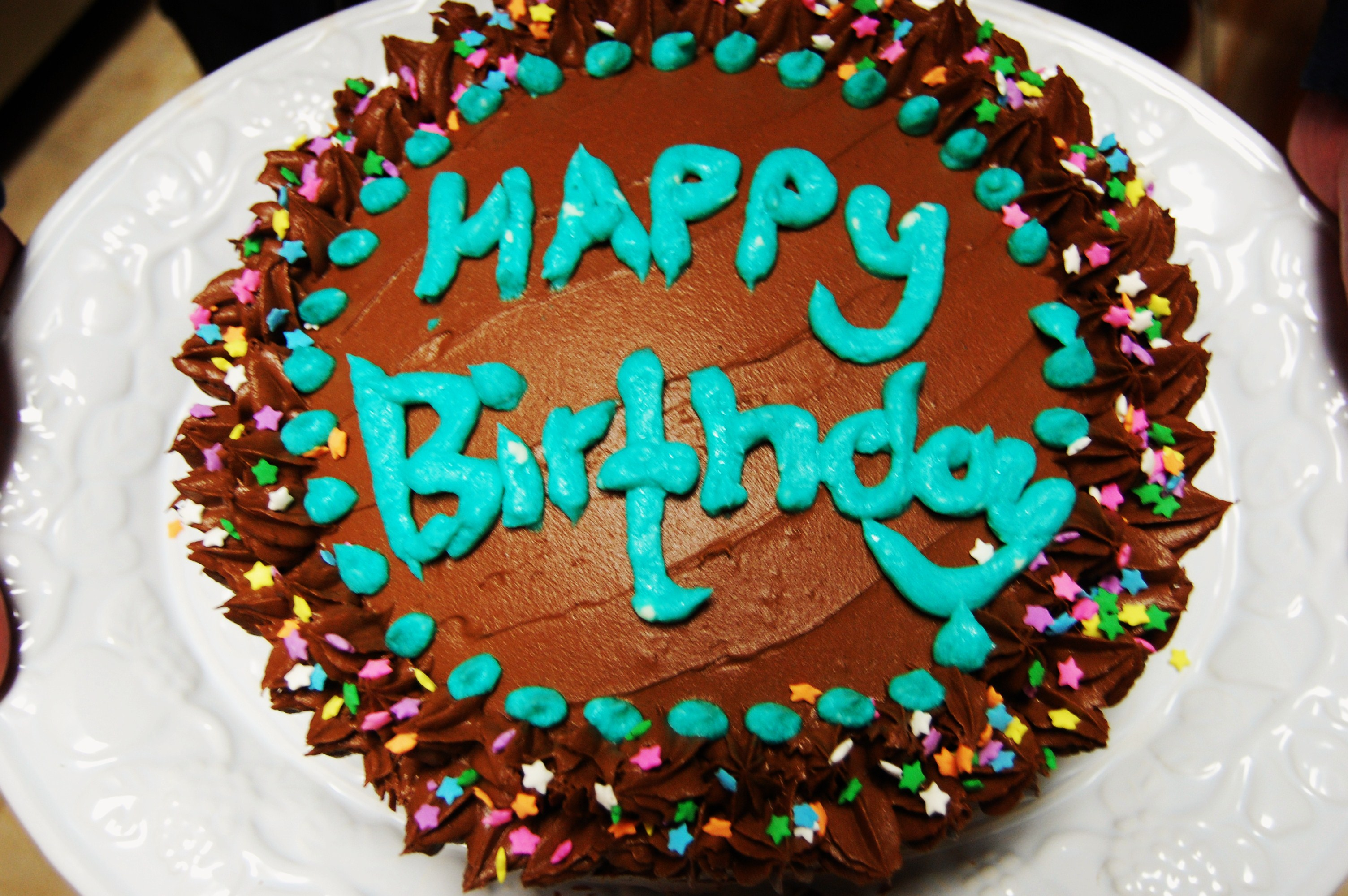 Best Cake Images For Birthday : Double Layer Cake with Chocolate Fudge Frosting ...